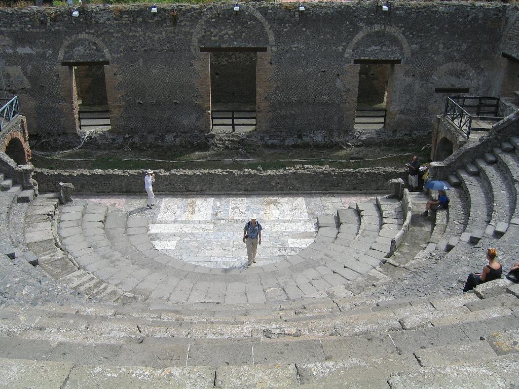 Pompeje odeon (2003)